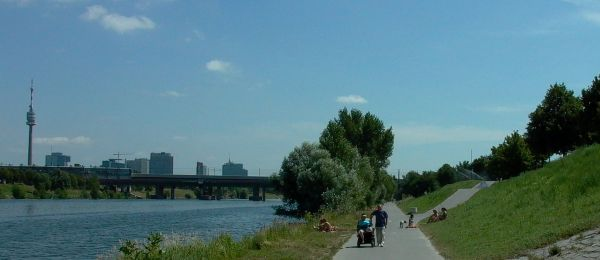 Donauinsel - pohled na UNO-City